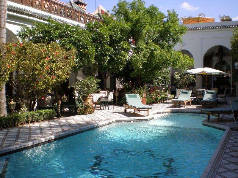 Top 10 meilleurs riads avec piscine marrakech la for Construction piscine marrakech